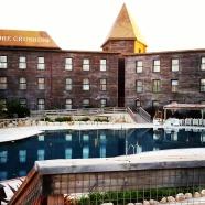 """המלון המדהים. הבריכות נקיות מאוד, רק היו סגורות ובכוונה נראות כמו """"מי בוץ"""". להוסיף לאותנטיות של המקום"""