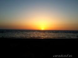 חוף מכמורת, שקיעה